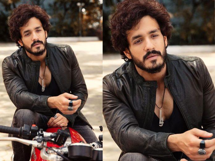 Akhil Akkineni looks Dashing in latest pic