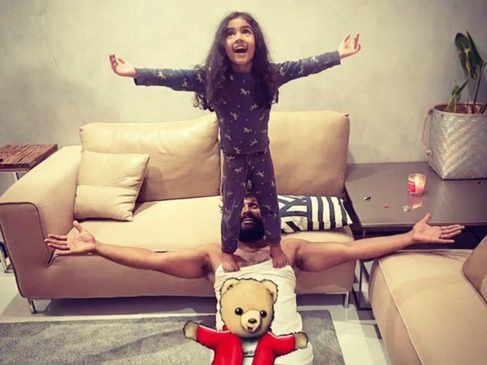 Allu Arjun and Allu Arha cutest Pic Goes Viral