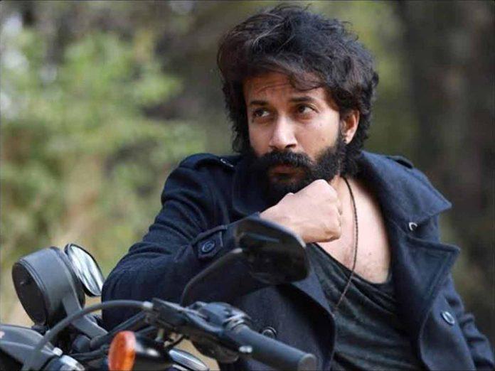 Satyadev to debut in Bollywood