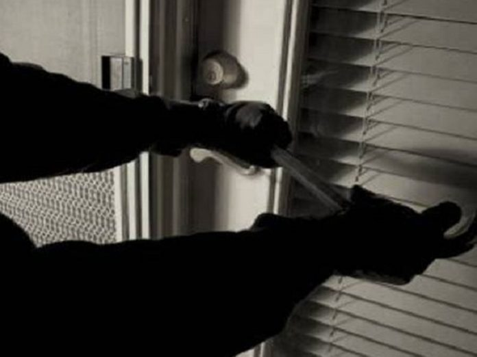 దొంగల హల్చల్: పెరుగుతున్న చోరీలు