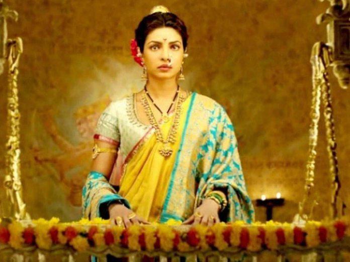 తన చిత్రంలో 'మహారాణి' సింహాసనం ప్రియాంకదే అంటోన్న నిర్మాత!
