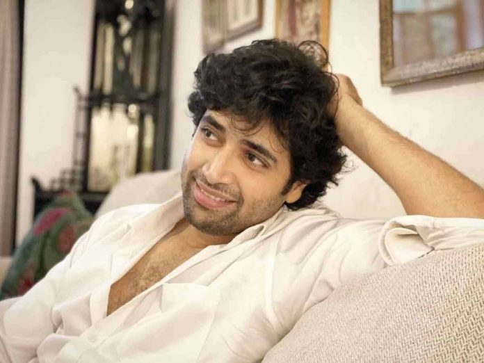 Actor Adivi Sesh in love with a Hyderabad girl