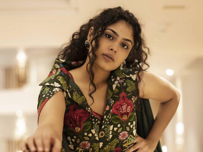 Faria Abdullah to romance Vishnu Manchu in Dhee Sequel