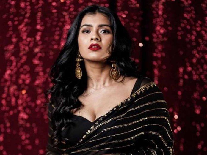 Actress Hebah Patel Glamour Pics Viral