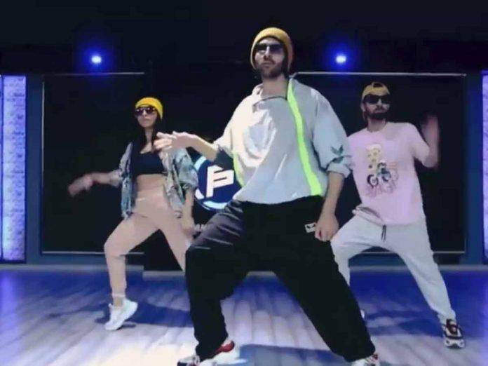 Kartik Aaryan shakes a leg to Allu Arjun's song 'Butta Bomma'