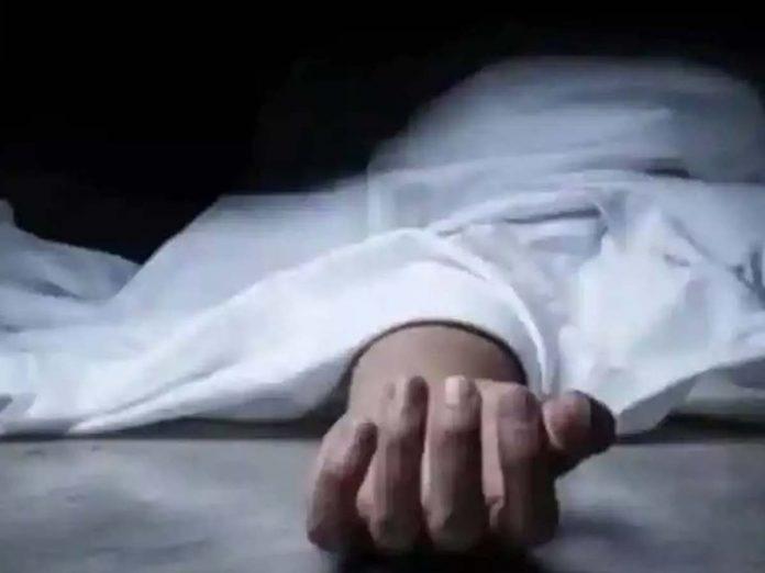 ఏపీలో దారుణం : కరోనా భయంతో ఆసుపత్రిపై నుంచి దూకి వ్యక్తి ఆత్మహత్య