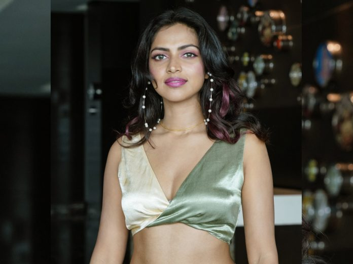 Gorgeous Amala Paul sizzles in the latest clicks