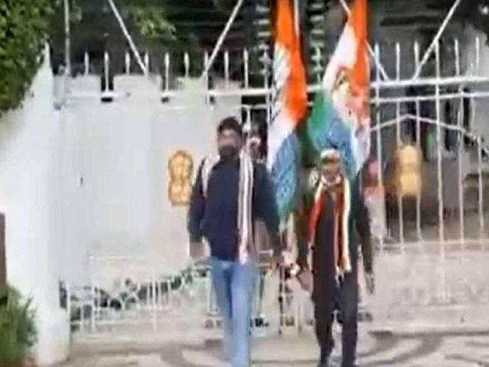 చలో రాజ్భవన్కు కాంగ్రెస్ పిలుపు...ధర్నాచౌక్ వద్ద ఉద్రిక్తత...