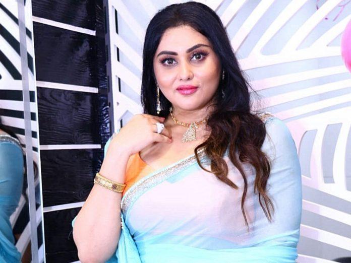 Actress Namitha Visits Tirumala Tirupathi