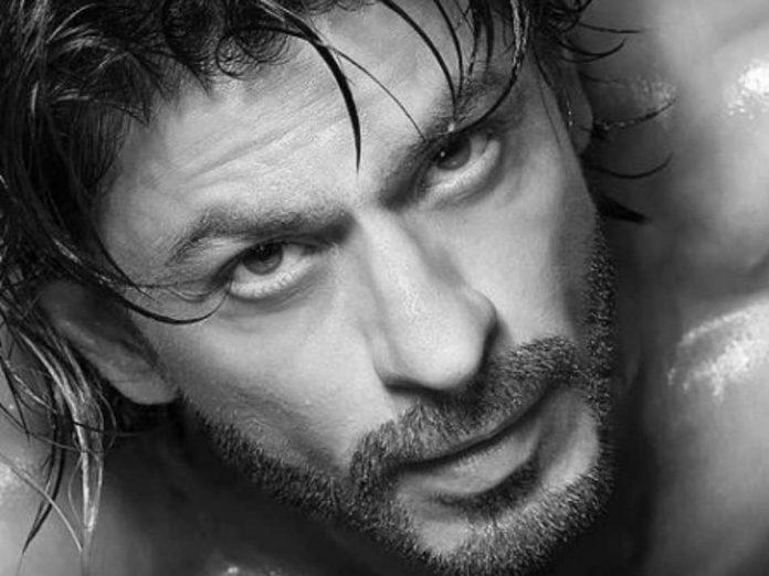 Shah Rukh Khan shirtless avatar for Dabboo Ratnani 2021 Calendar shoot