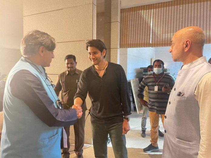 MP Shashi Tharoor Met Mahesh Babu along with MP Galla Jayadev