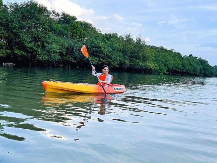 Samantha Akkineni goes kayaking with her BFF