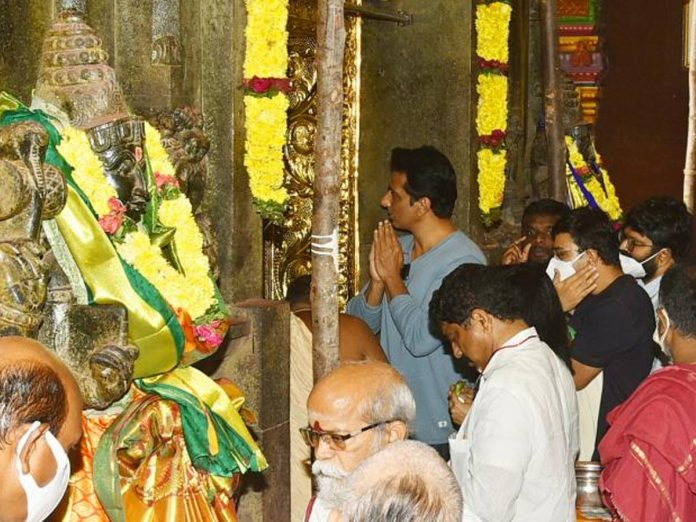 Sonu Sood Visits Vijayawada Durgamma Temple