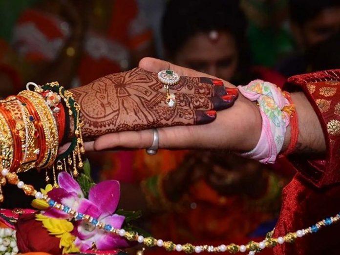 షాకింగ్ సర్వే:  ప్రేమ వివాహాలకు హైదరాబాదీలు ఓకే...