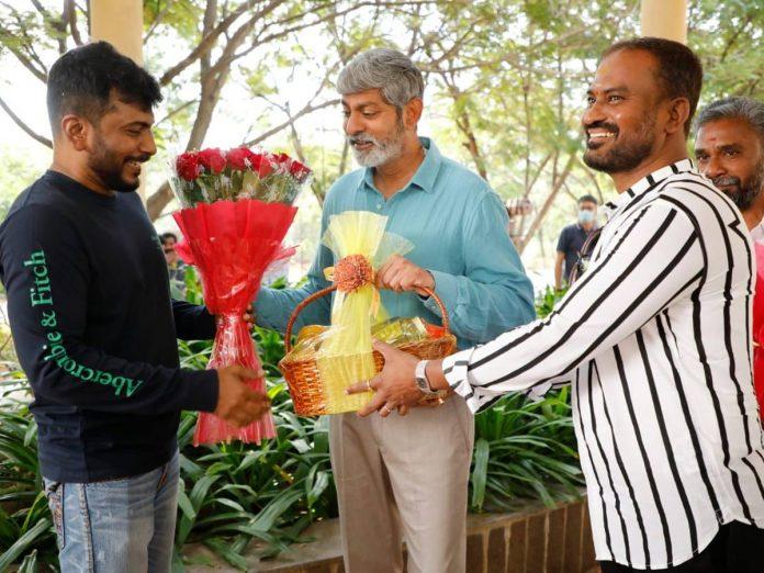 Jagapathi Babu joins Simbaa sets