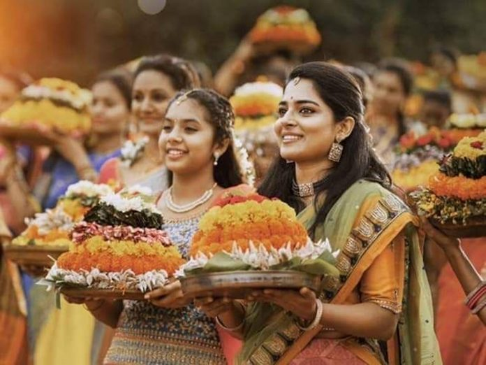 తెలంగాణ జాగృతి బతుకమ్మ పాట వచ్చేసింది